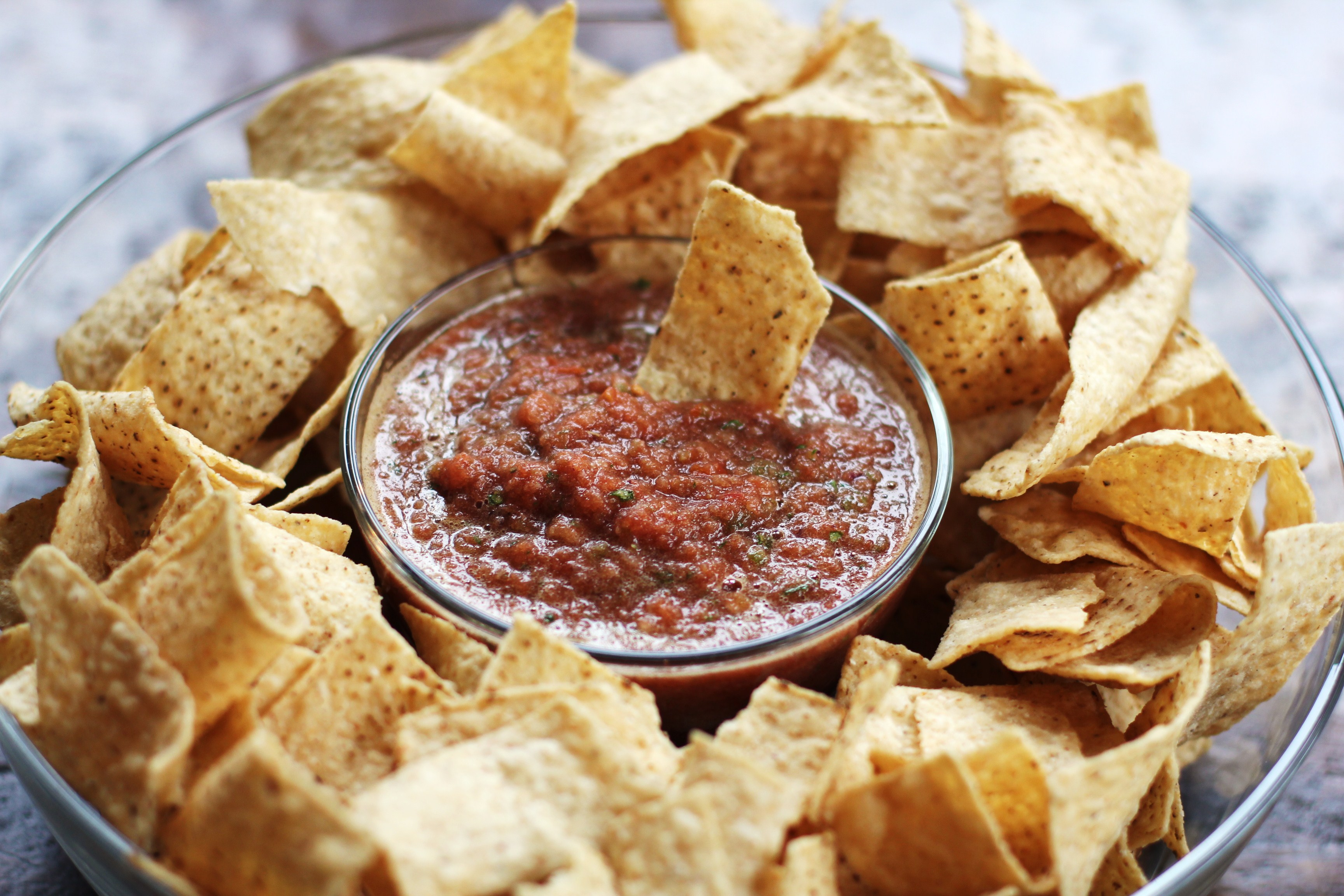 How to make homemade salsa from canned tomatoes