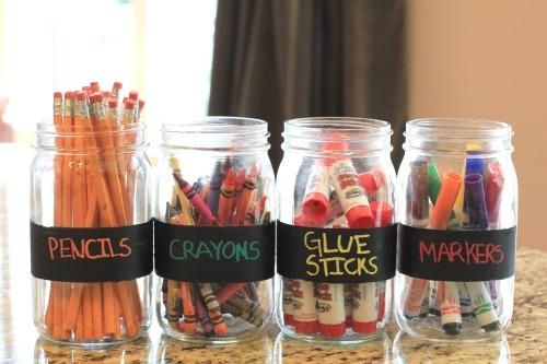 Easy Kids Crafts – Chalkboard Paint Jars for Back to School Storage