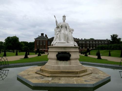 Mavis Travel Blog – Kensington Palace Gardens