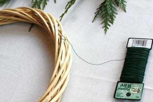 how to make a christmas wreath 1