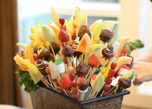 Edible Arrangement picture tutorial