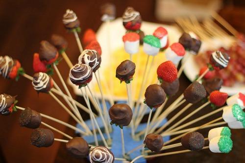 chocolate dipped strawberries Edible Arrangement