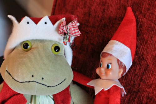 Elf on the Shelf – Merry Christmas From Ernesto