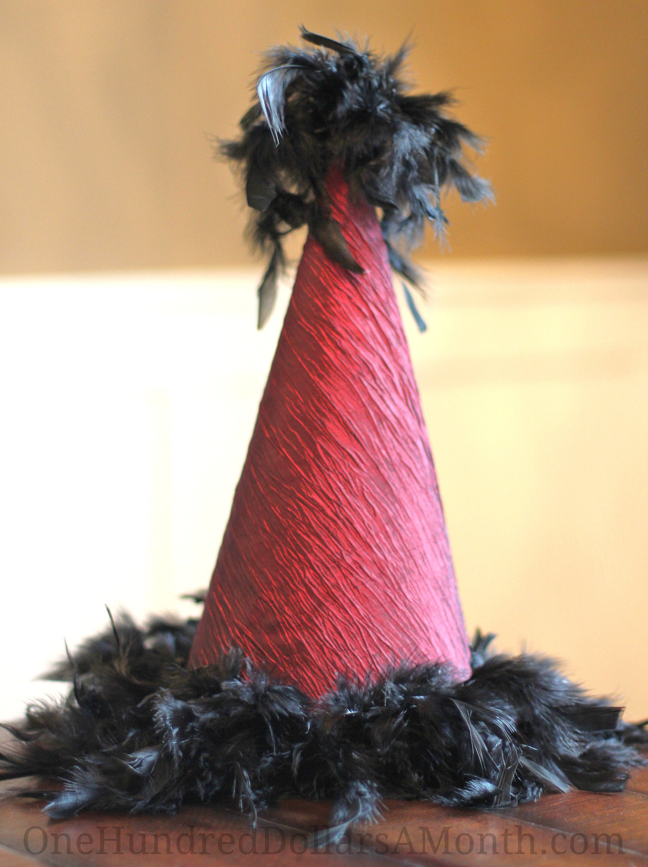 How to Make a Party Hat for New Year's Eve