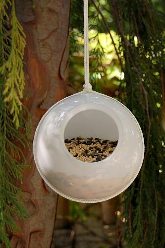 old light bird feeder