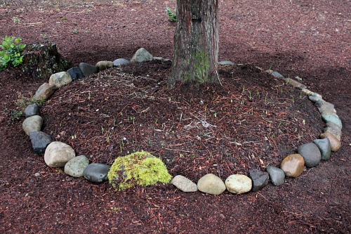 Landscaping With Rocks Around Trees : Mavis garden making rock borders in the