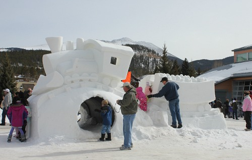 breckenridge Snow sculpture