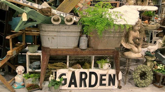 Vintage Backyard Decor : vintage garden decor