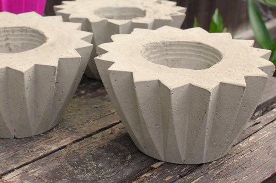 how to make concrete planters