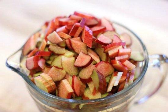 Canning 101 – Rhubarb Cinnamon Jam Recipe