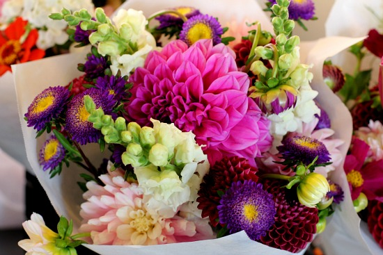 pike place market flowers