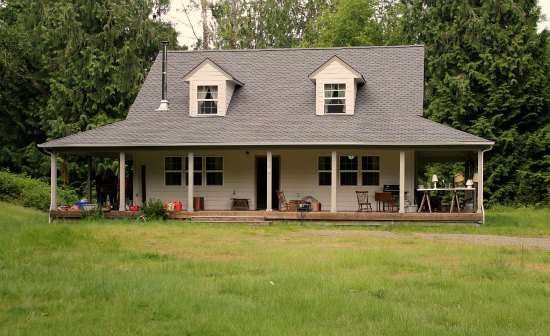 farmhouse anderson island property