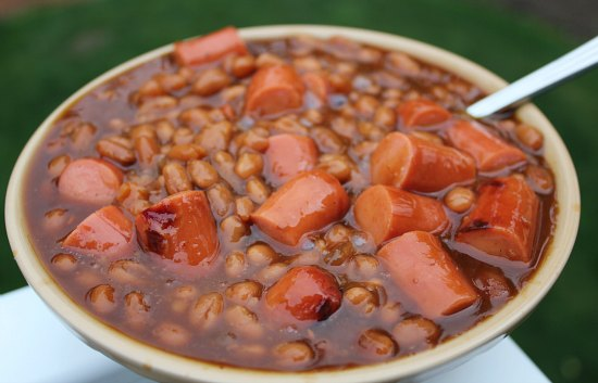 ... , the Handsome Husband made dinner. Beans and weenies. Go.Fight.Win