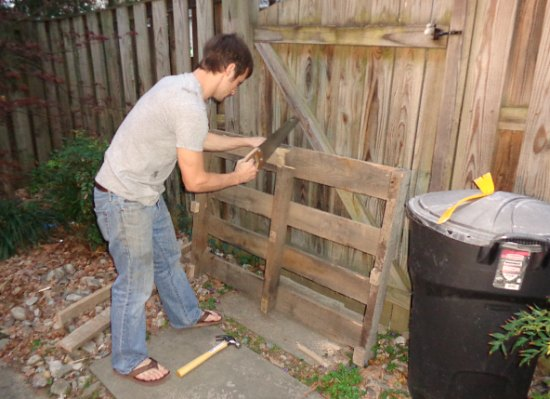 how to build a wood pallet garden