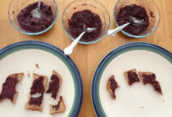 Blueberry Vanilla Chia Seed Jam recipe