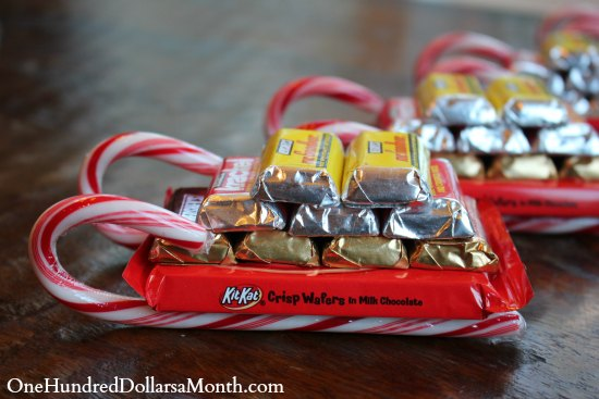 Easy-Kids-Christmas-Candy-Crafts-–-Candy-Cane-Sleigh3.jpg