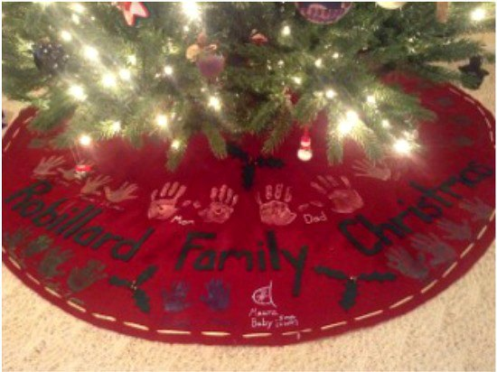 How to Make a No Sew Handprint Christmas Tree Skirt