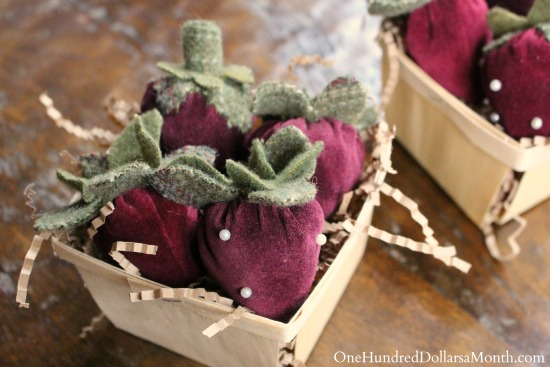 How to Make a velvet Strawberry Pin Cushion