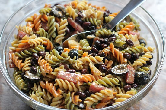 Pasta-Salad-with-Salami-and-Olives