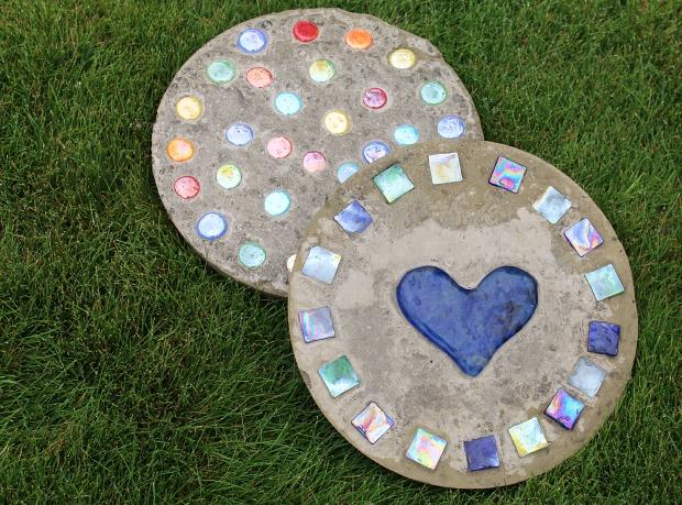 DIY Concrete Stepping Stones Using Cake Pan Molds