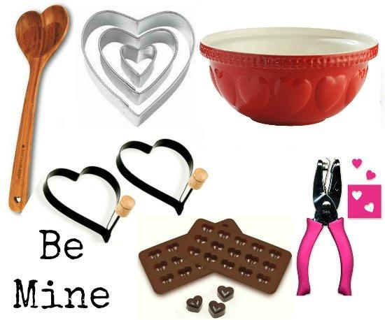 heart-shaped-wooden-spoon
