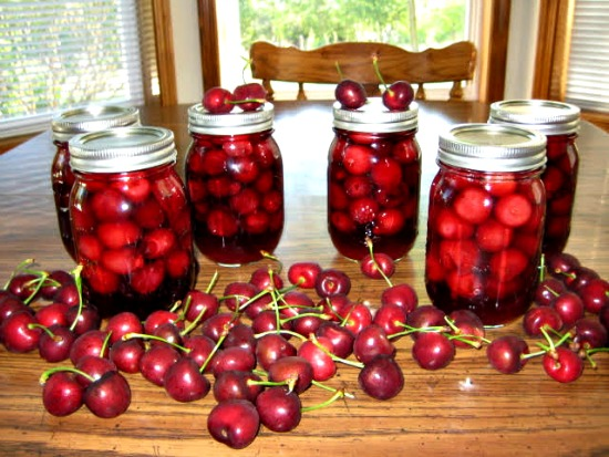 Canning 101 – Amaretto Cherries