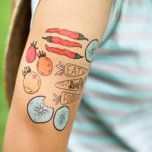Giveaway: Kale Yeah Tote and Cool Tater Tats Fall Tattoo Pack