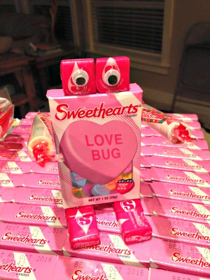 Easy Valentines Craft — Conversation Heart Robots