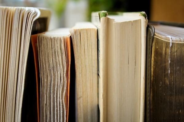 5 Good Books to Read Over Winter Break
