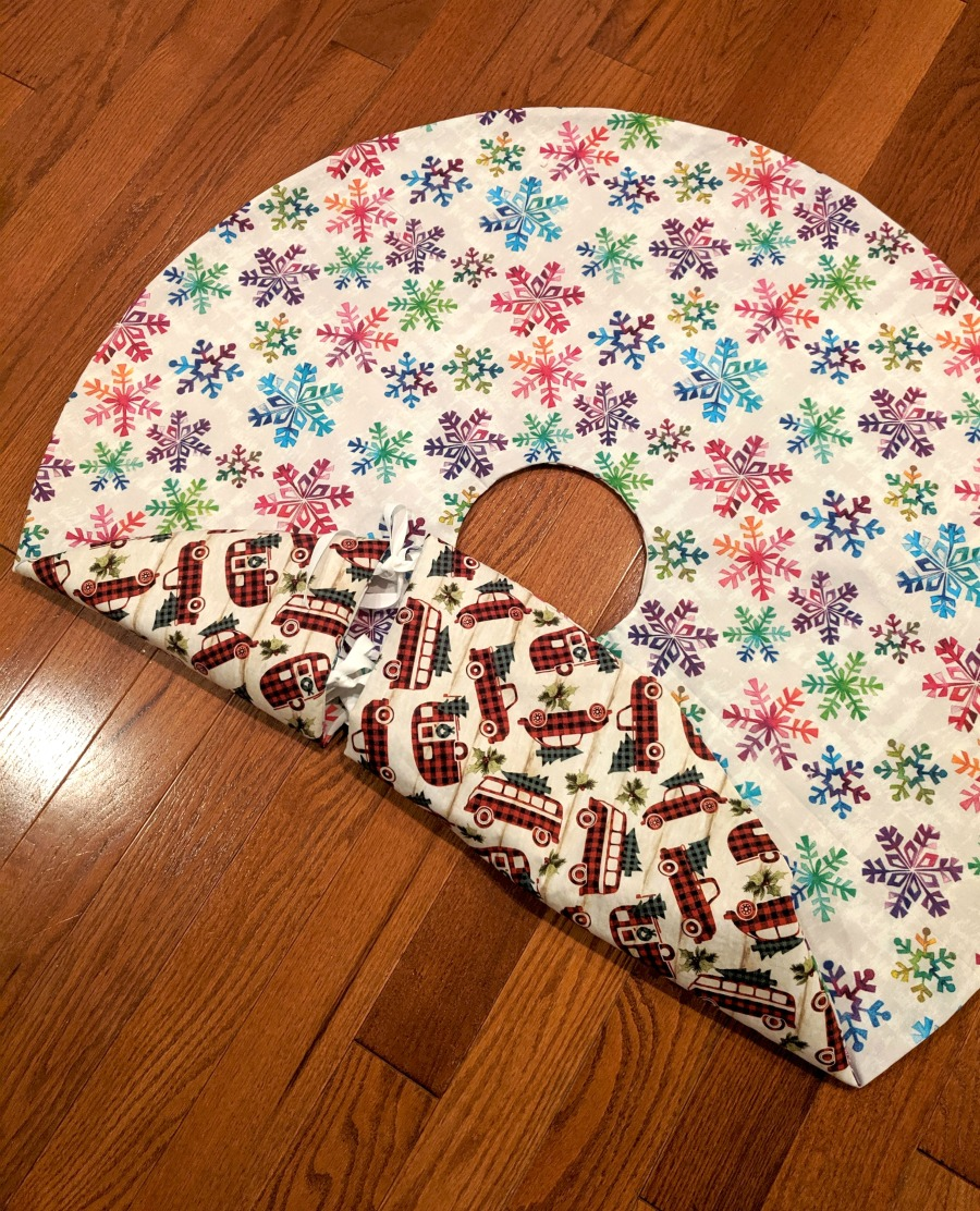 How to Sew a Reversible Tree Skirt